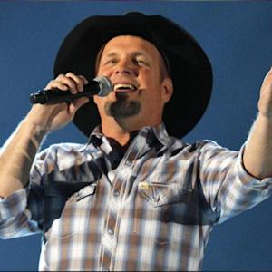 Garth Brooks Is Finally Headed Back Out On A World Tour!