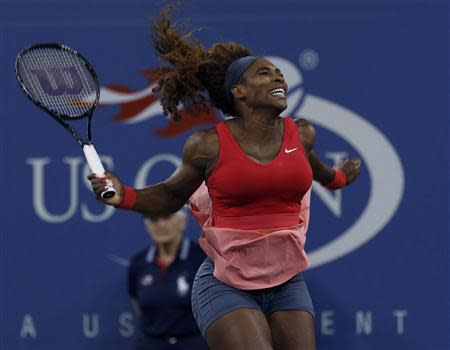 Serena Williams of the U.S. celebrates after defeating Azarenka of Belarus in their women's singles final match at the U.S. Open tennis championships in New York
