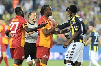 Drogba denies racist chanting will force him out of Turkey