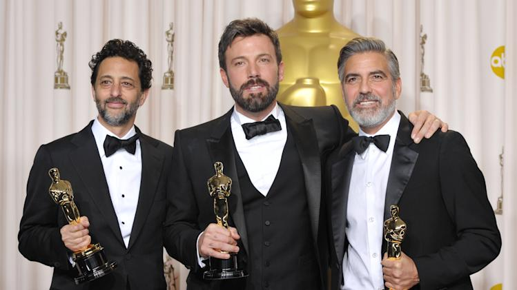 'Argo' wins best picture on scattered Oscar night