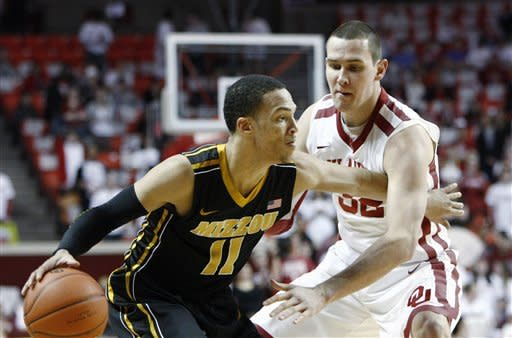No. 4 Missouri holds on to beat Oklahoma 71-68