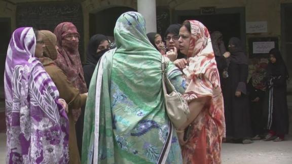 Pakistan voters queue in landmark polls amid attacks