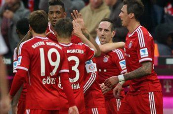 Bayern Munich 3-0 Augsburg: Ribery on target as champions make Bundesliga history
