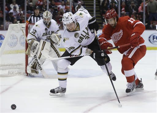 Ryder scores twice, Stars beat Red Wings 2-1