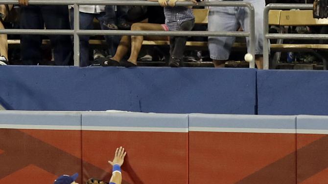 Pence drives in 7, Giants trounce Dodgers 19-3