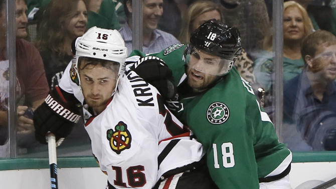 Blackhawks top Stars 3-2 in shootout in opener