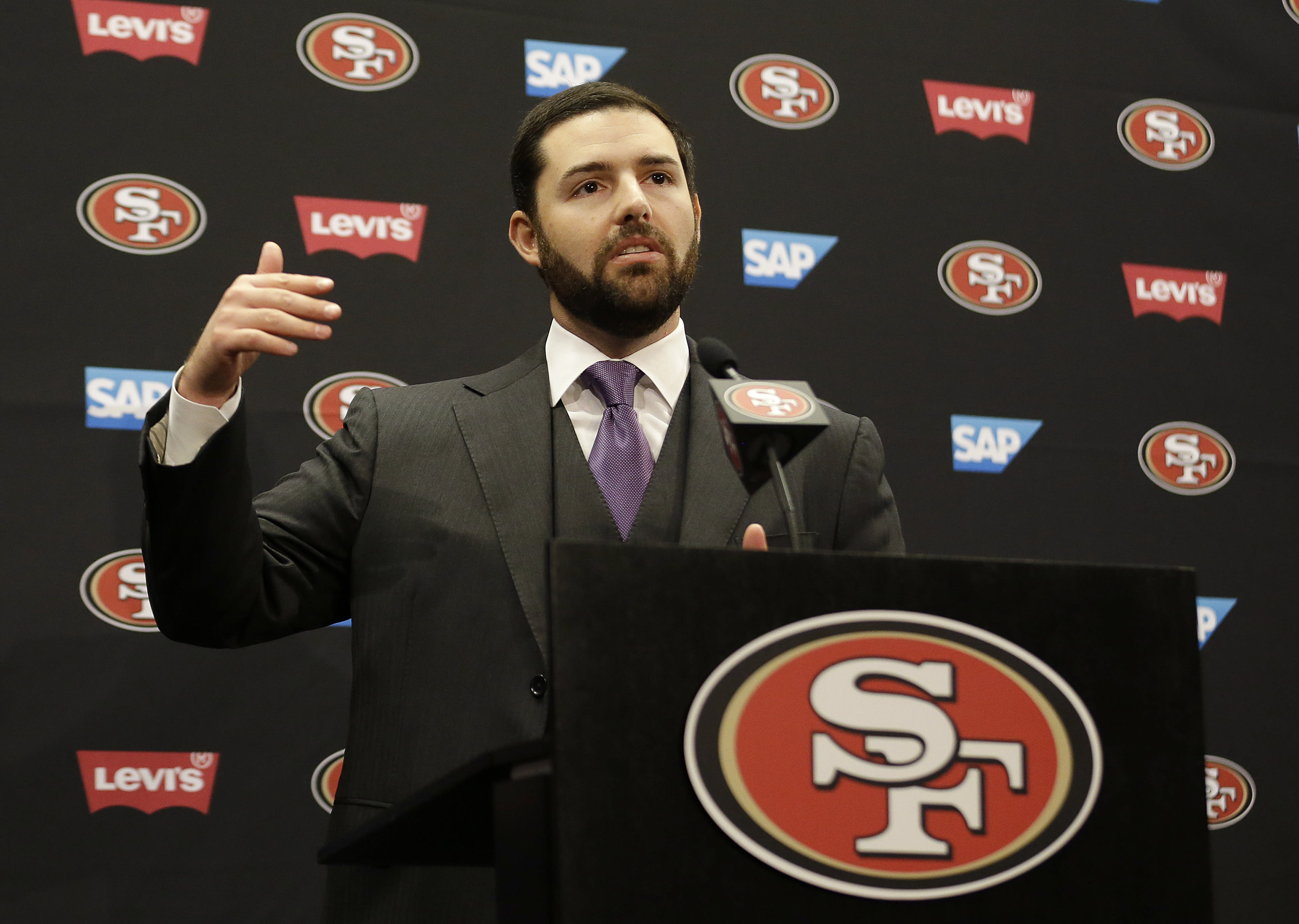 Mad Dash: 49ers fans rip owner trying to give tickets away