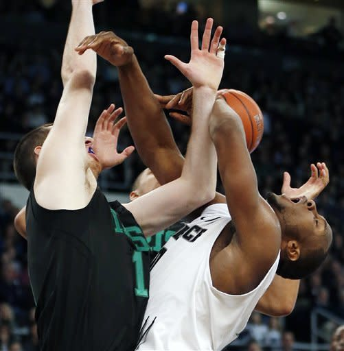 Batts leads Providence over Notre Dame 71-54