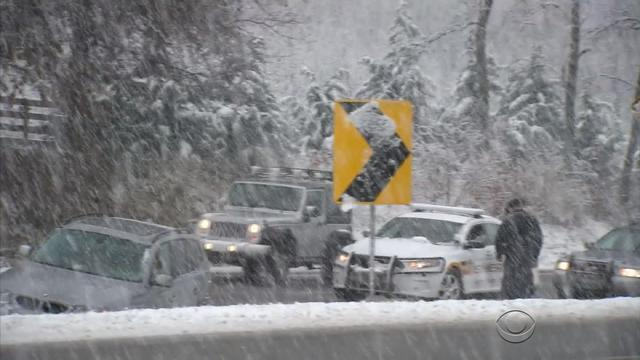Thanksgiving Nor'easter snarls travel on East Coast