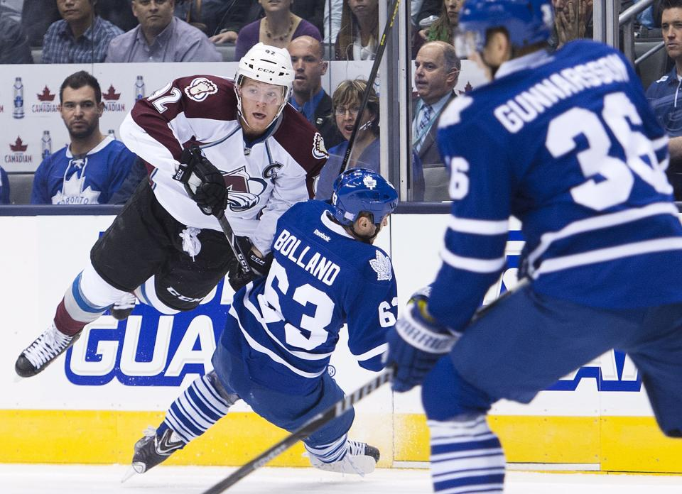 Avs move to 3-0 after 2-1 win over Leafs