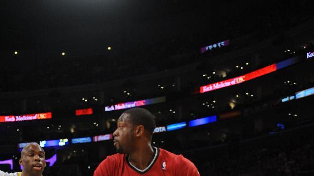 Heat beats Lakers 101-95 for 6th straight victory