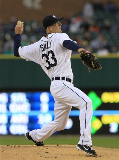 Tigers blow chances with 10-4, 2-1 loss to Twins