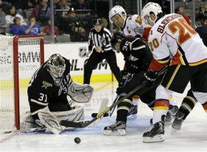 Flames rally in 3rd to beat Stars 4-3