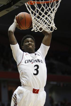 Cincinnati beats Massachusetts Lowell 79-49