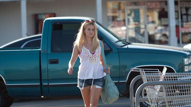 """This film image released by Roadside Attractions shows Reese Witherspoon in a scene from """"Mud."""" (AP Photo/Roadside Attractions, Jim Bridges)"""