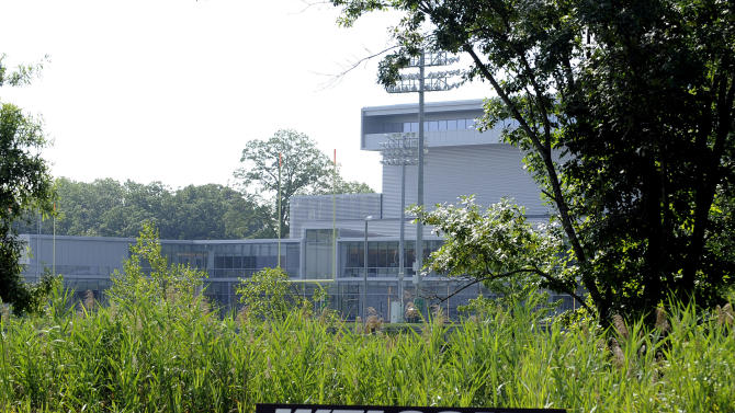 A sign greets the New York Jets at their NFL football practice facility Tuesday, July 26, 2011 in Florham Park, N.J. (AP Photo/Bill Kostroun)