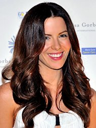 Kate Beckinsale with smooth shiny hair.