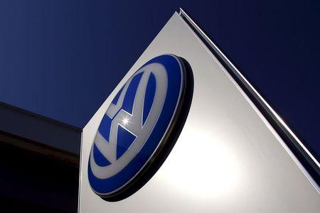 EPA hasn't decided if new software on 2016 VW diesels is legal