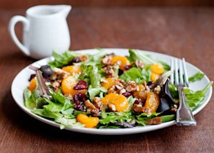 Simple Holiday Green Salad with Orange Vinagrette