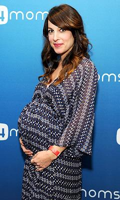 Lindsay Sloane Gives Birth to Daughter Maxwell Lue!