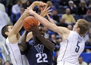 Arcidiacono's leads Villanova over UConn, 70-61