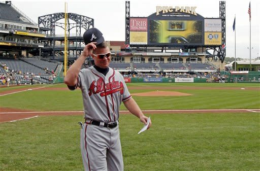 Jones singles in finale, Braves top Pirates 4-0