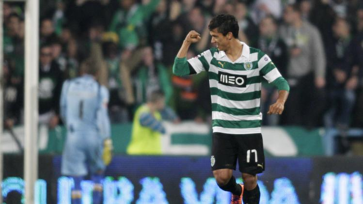 Sporting Lisbon's Montero celebrates his goal against Gil Vicente during their Portuguese Premier League soccer match at the Municipal stadium in Barcelos