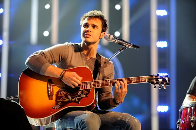"Kris Allen performs ""What's Going On"" by Marvin Gaye (Simon Fuller's Choice) on ""American Idol."""