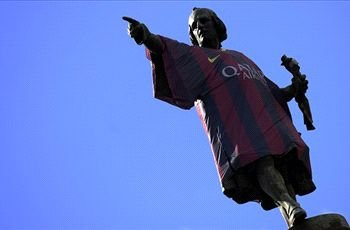 Christopher Columbus statue dressed in Barcelona shirt