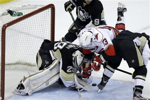 Neal gets hat trick as Penguins beat Hurricanes