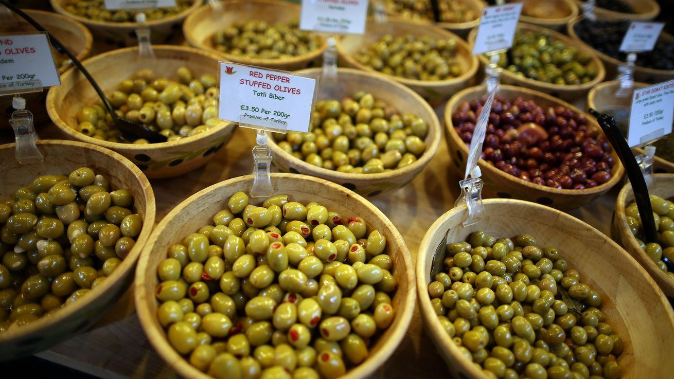 Italian Police Seize 85K Metric Tons of Counterfeit Olives