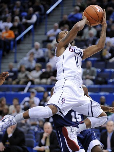 Boatright, Connecticut top New Hampshire 61-53