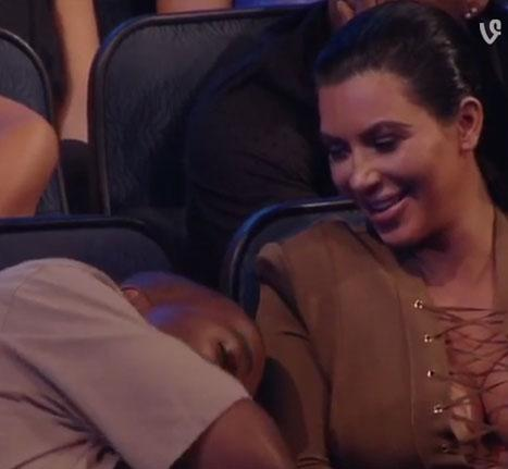 Kanye West Pretends to Nap, Keeps Out of Trouble During Taylor Swift's 2015 MTV VMAs Acceptance Speech