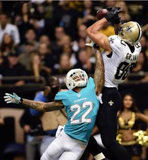 1st loss leaves lots of issues for Dolphins