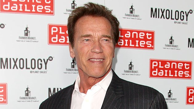 Arnold Schwarzenegger Counts to &#39;Ten&#39;
