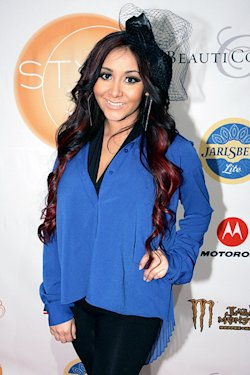 snooki pregnancy chatter lights up the web yahoo tv pregnancy birth chatter comment on its a mothers day giveaway by alfiya 250x375
