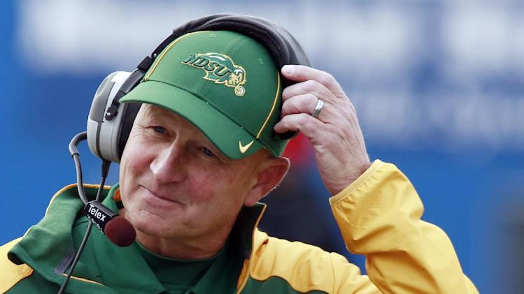 Craig Bohl takes over as coach at Wyoming