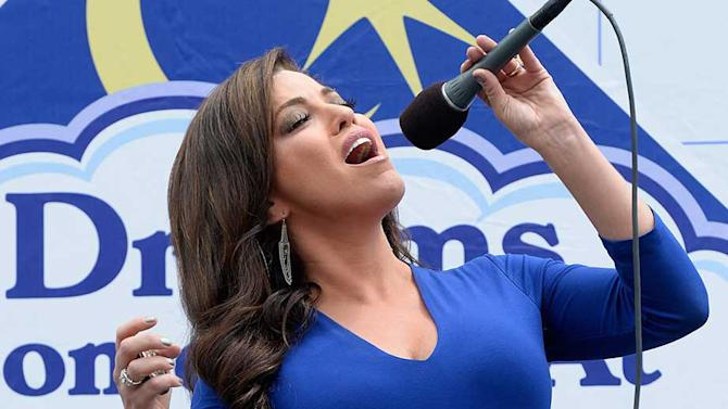 Six Pack of Pop: Robin Meade