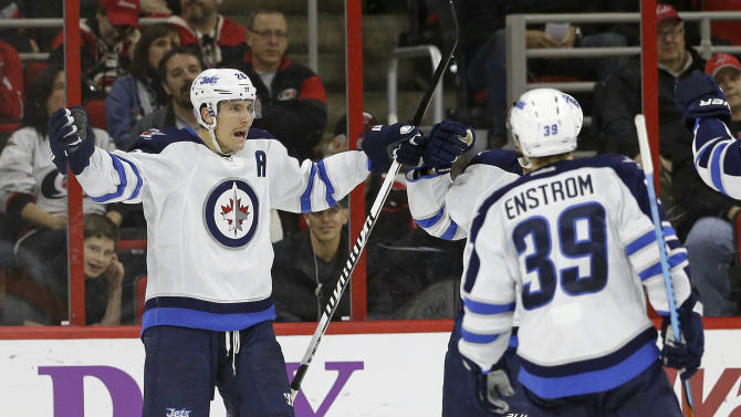 Wheeler leads Jets past Hurricanes 3-1