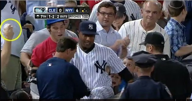 Yankees' Dewayne Wise Makes Disputed Catch In Stands