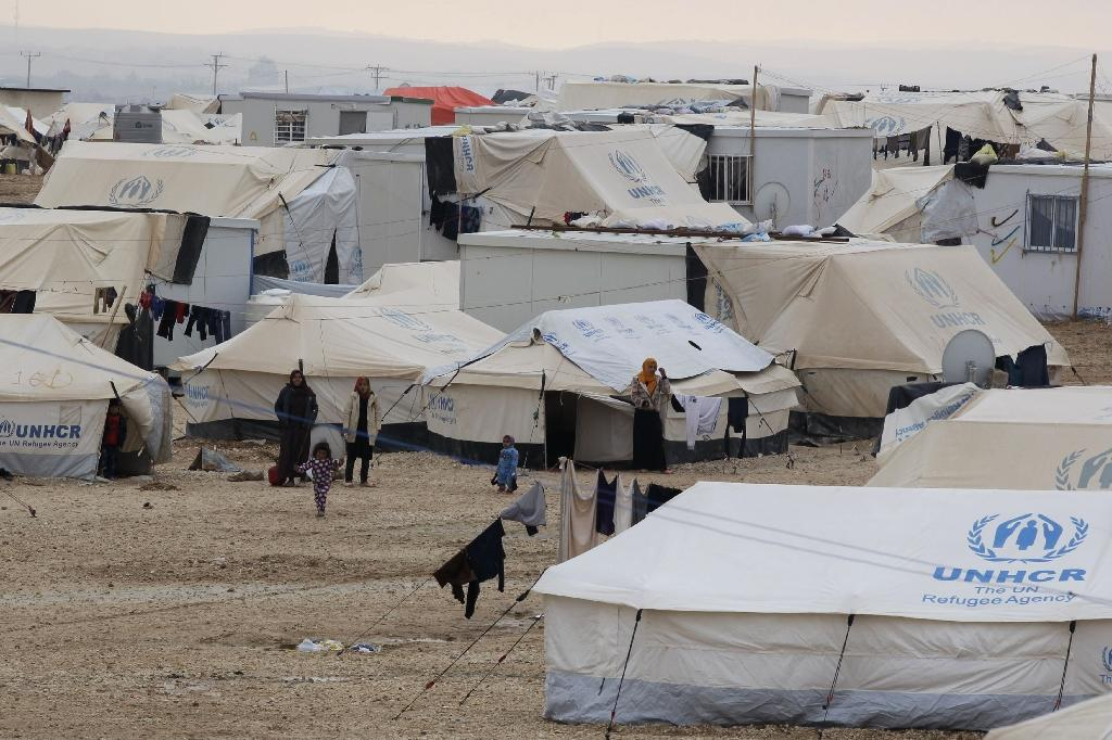 Aid-starved Syria refugees desert Mideast for Europe