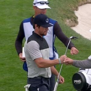 Mark Wahlberg's chip shot sets up birdie at AT&T Pebble Beach