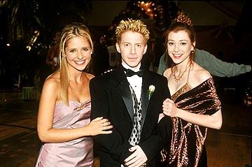 Sarah Michelle Gellar as Buffy, Seth Green as Oz and Alyson Hannigan as Willow on Buffy The Vampire Slayer