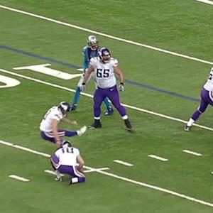 Minnesota Vikings kicker Blair Walsh 26-yard field goal blocked by Detroit Lions defensive end Jason Jones