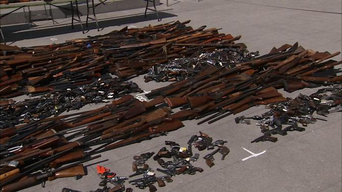 LA gun buyback nets 1,600 weapons, police say