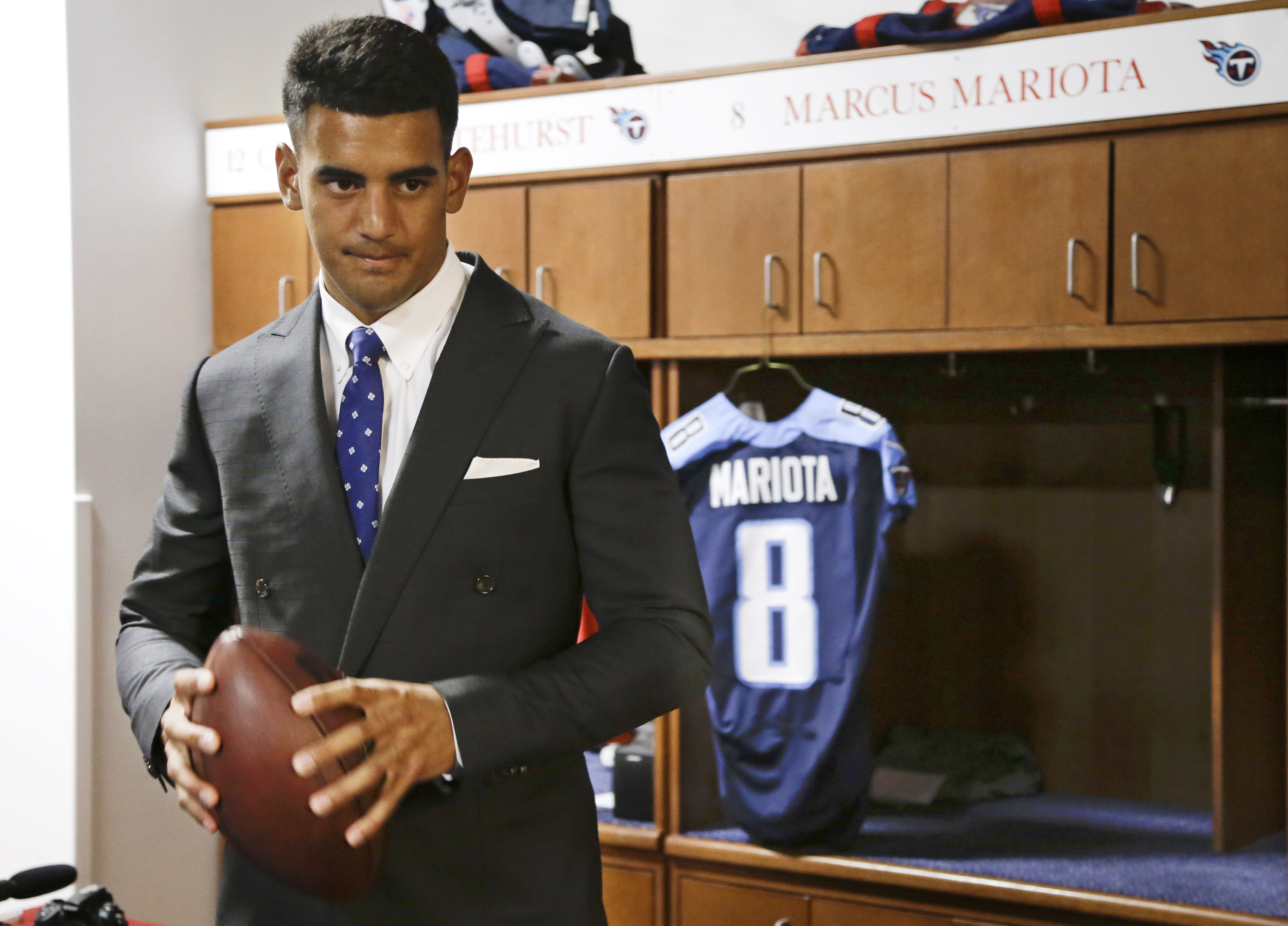 Mariota eager to get to work, Titans now have to make QB fit