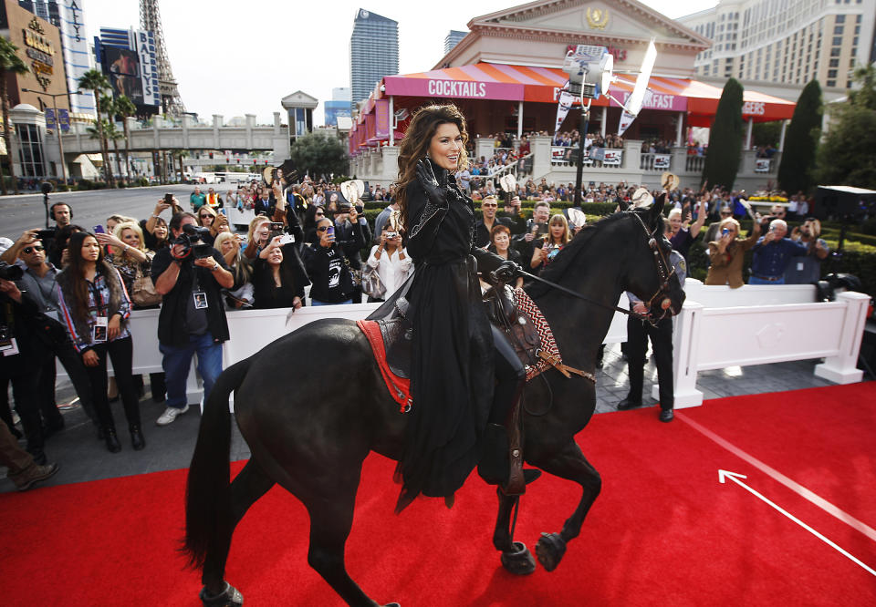 Shania Twain makes horseback arrival for Vegas gig