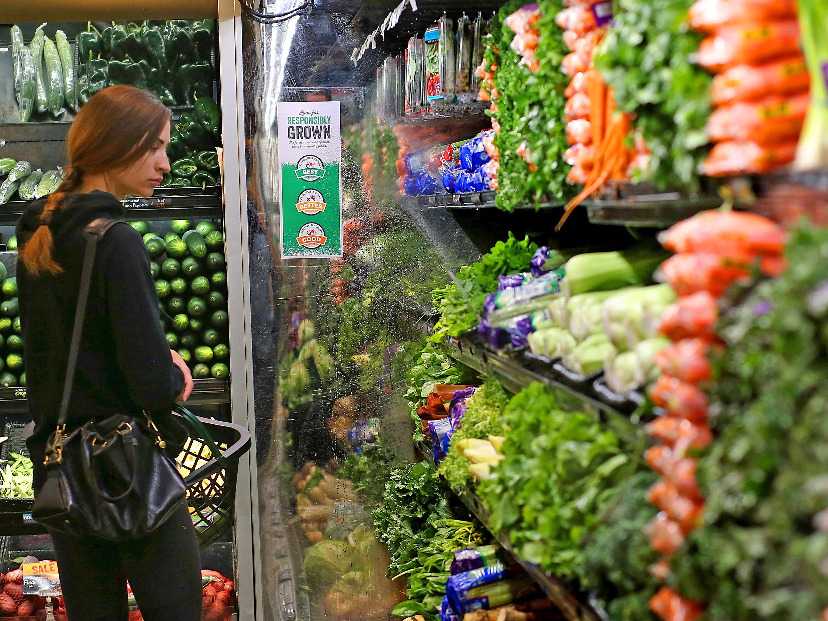 A woman who lived on $14,000 a year gives her top 2 tricks to cut your grocery bill in half
