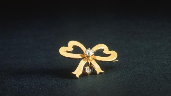 Titanic jewelry