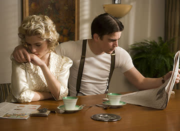 Scarlett Johansson and Josh Hartnett in Universal Pictures' The Black Dahlia